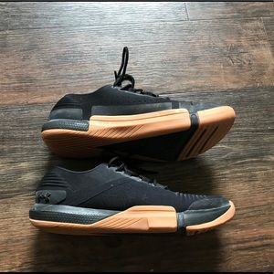 Under Armour Tribase Reign [Size 9]